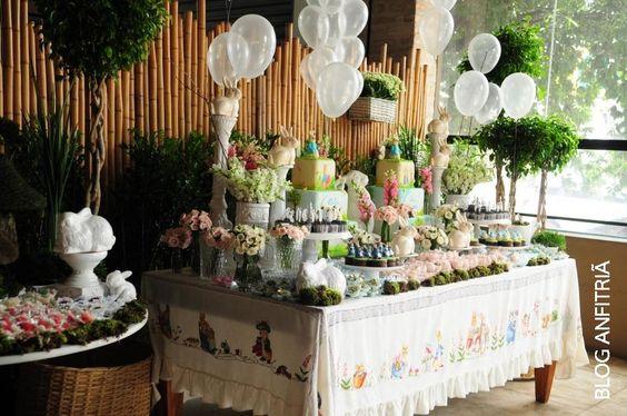 Peter Rabbit, decoração Páscoa, Easter, festa infantil, balões a gás transparentes, toalha bordada, hand embroidery: