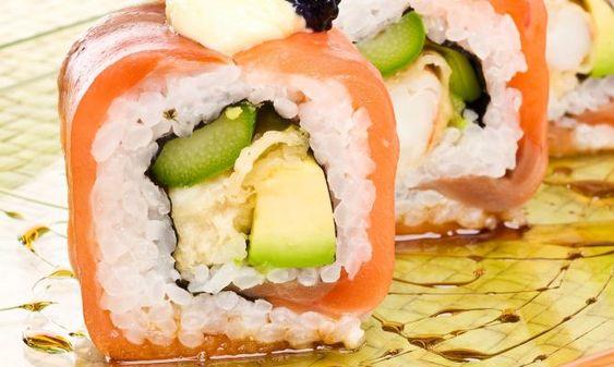Receta de Roll de tempura de langostinos envuelto en salmón ahumado