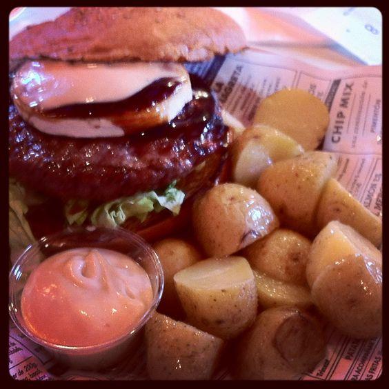 Terryaki burger at kiosko, BCN