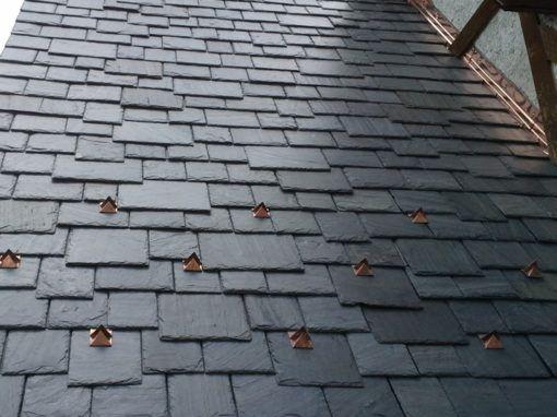 Greenstone Hailfire Greenstone Vermont Slate Slatetec Installation In 2020 Shake Roof Cedar Shake Roof Slate Roof