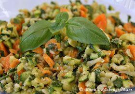 Manus Küchengeflüster: Zucchini-Karotten-Rohkost mit Käse