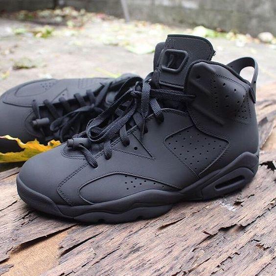 black jordan 6s