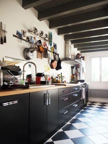 Photos cuisine and d coration on pinterest - Carrelage damier noir et blanc ...