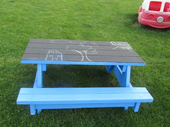 kids picnic table with chalkboard top
