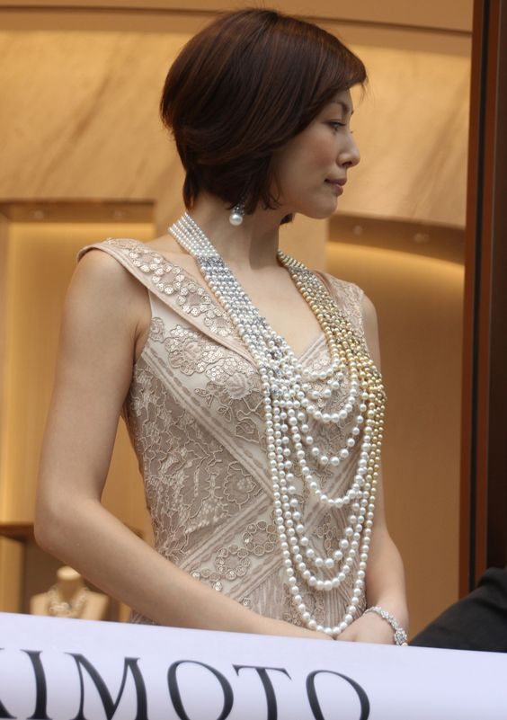 米倉涼子のドレス