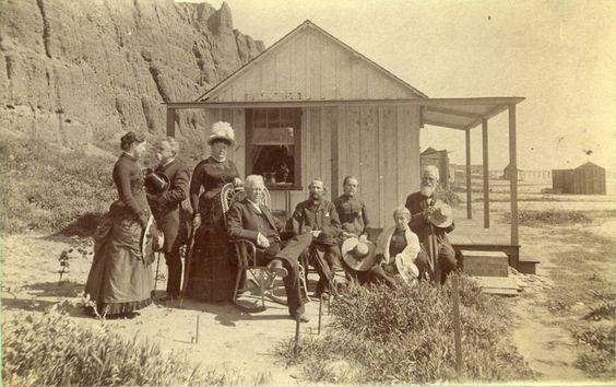 visitors to Santa Monica in the 1880s!