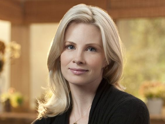 Monica Potter Curls Short Hairstyle 2013