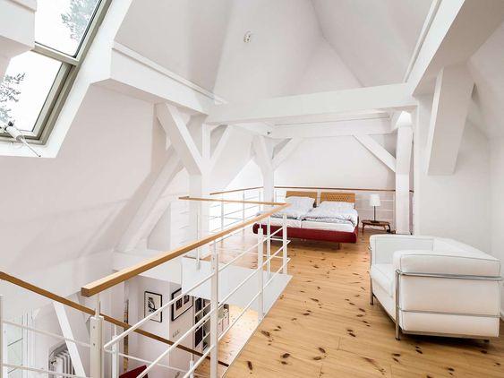 Reprasentative Villa Nahe Schlachtensee Herrschaftliches Wohnen Im Grunen In 2020 Wohnen Im Grunen Villa Wohnen