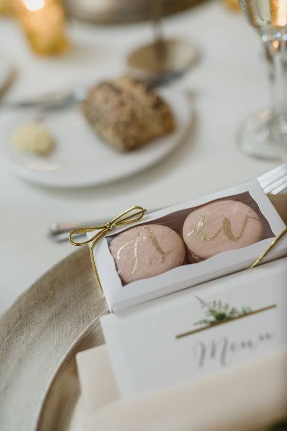 9 Types Of Wedding Favors Your Guests Will Love Macaroon Wedding