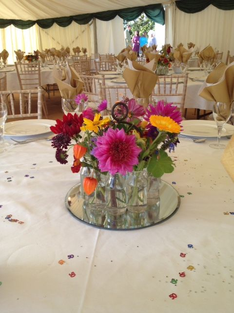 Table centre with Belgian vase