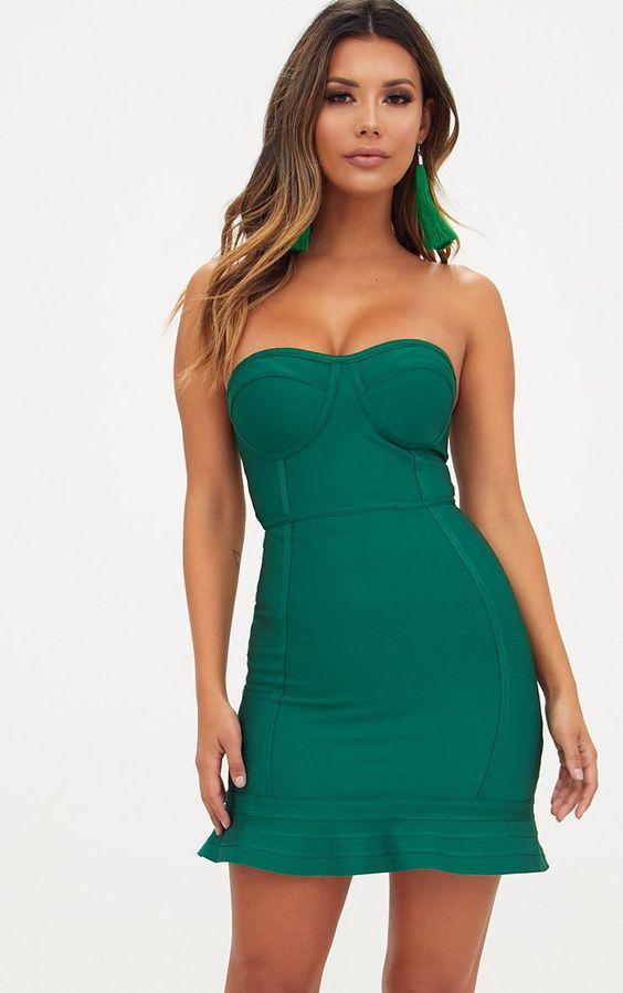 Emerald Green Bandage Frill Hem Bodycon DressWith its lush emerald green hue, frill hem and band...