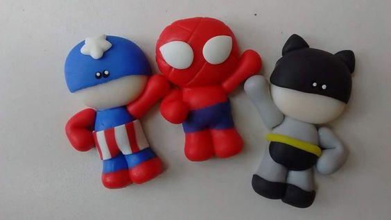 Mini super héroes.