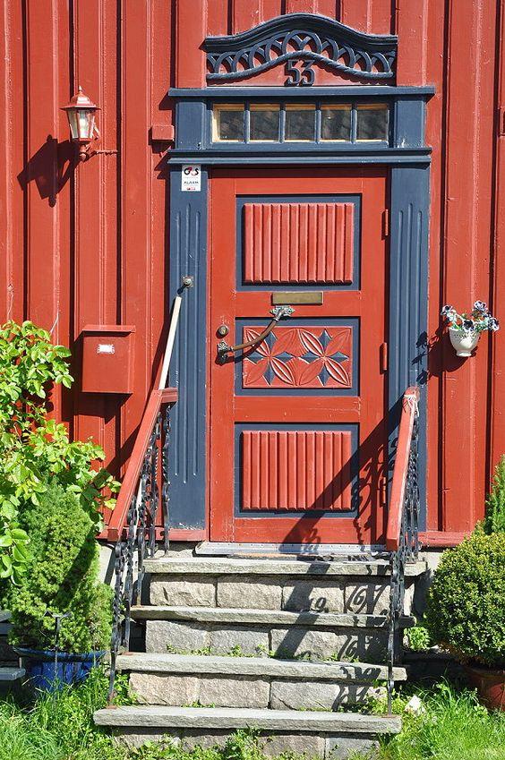 Tür in Trondheim wurde in Norwegen, Trondheim aufgenommen und hat folgende Stichwörter: norwegen, Trondheim, Tür.