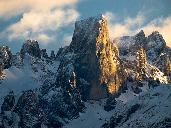 Naranjo de Bulnes: un gigante de roca en los Picos de Europa - FotosMundo.net: Photos, Europa Fotosmundo, Europe, Dream, Fotosmundo Net, Rock, World, Bulnes West