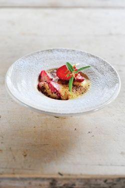 fraises gratinées aux amandes et citron vert  |  strawberry gratin with almond and lime
