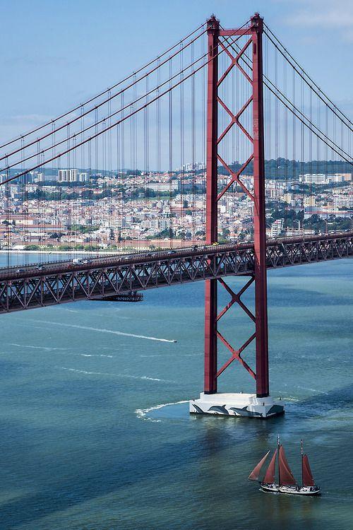 Ponte 25 de Abril // Lisbon www.portobay.com