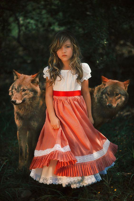 CAPERUCITO ROJA Vestido de campana, las chicas Vestido de campesino, guinga, cordón ajustado Vestido
