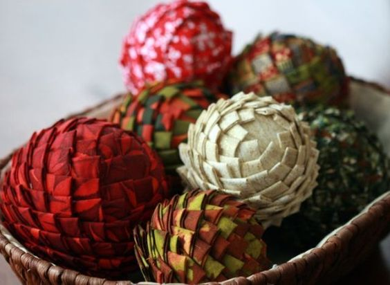 christmas+crafts+to+sell+at+craft+fairs | Christmas Craft Ideas: Fabric And Styrofoam Pine Cone Vase Fillers