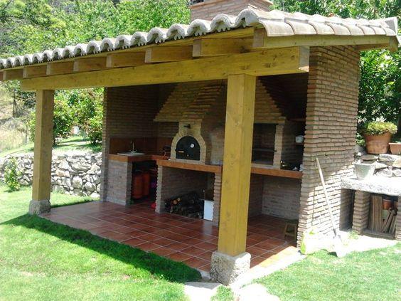 Vigas de madera ladrillo y teja barbacoas cocinas y for Barbacoas para jardin