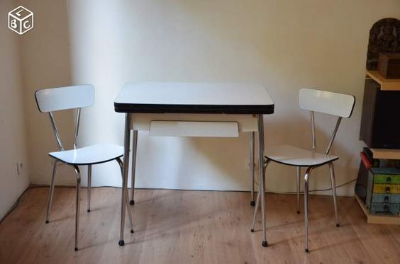 Table en formica et ses deux chaises - leboncoin junkshop