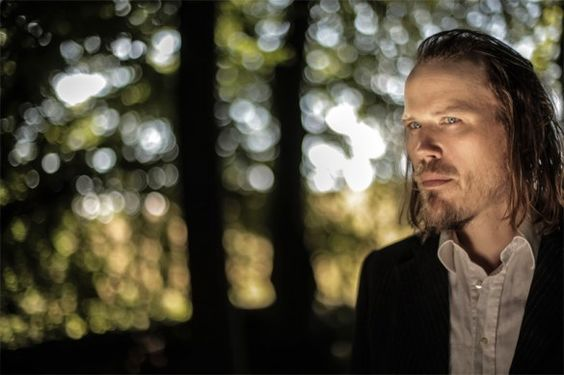 """#31C_Mag: Reseña de """"The Pitcher"""" (Tapete Records / Green Ufos), el nuevo trabajo del cantautor sueco Christian Kjellvander. """"Un álbum brillante, de delicioso aspecto melancólico y sentida profundidad contagiosa"""". Por Raúl Julián."""