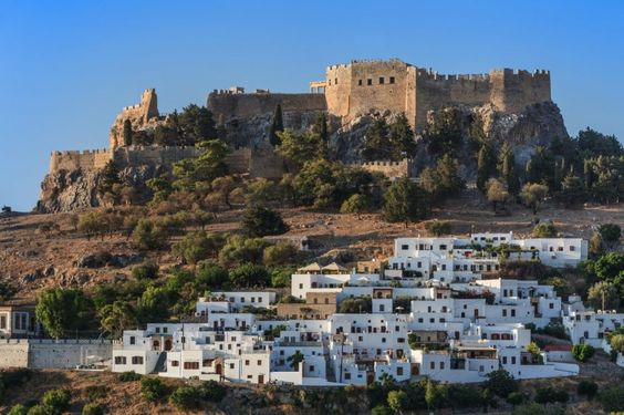 GREECE CHANNEL | Overview-of-Lindos-village-and-Castle