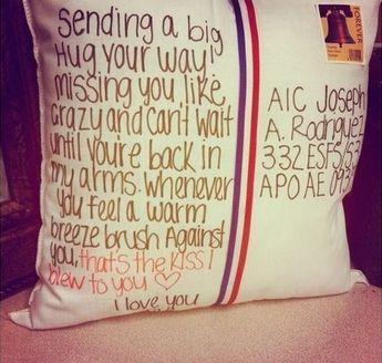 Envía un abrazo por correo | 20 cosas que te ayudarán a lo largo de tu relación a larga distancia