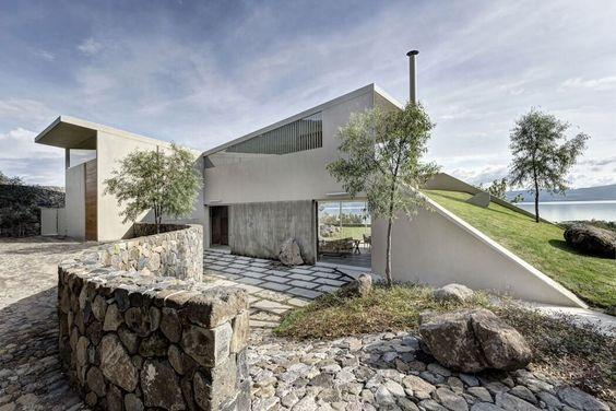 Casa del Lago by Juan Ignacio Castiello Arquitectos