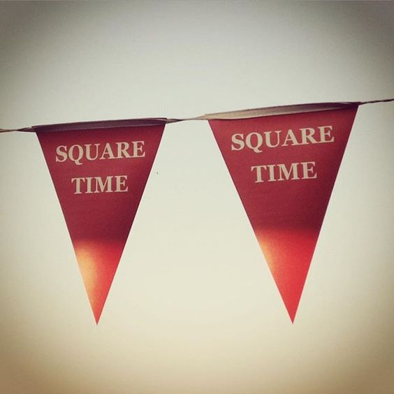 The irony is not lost on me. #squaretime #food #pizza #irony #red #banner #flags #branding #restaurant #pretoria #cafe #lounge #funny #tuesday #language #life