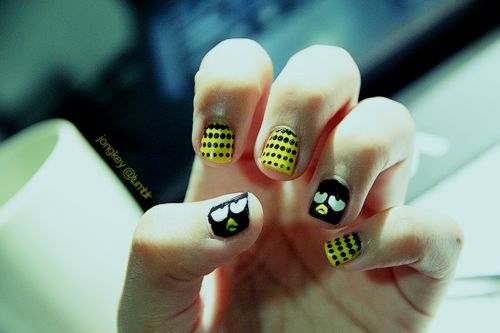 badtz maru :3 i wonder how they have the patience to make such beautiful nail art~
