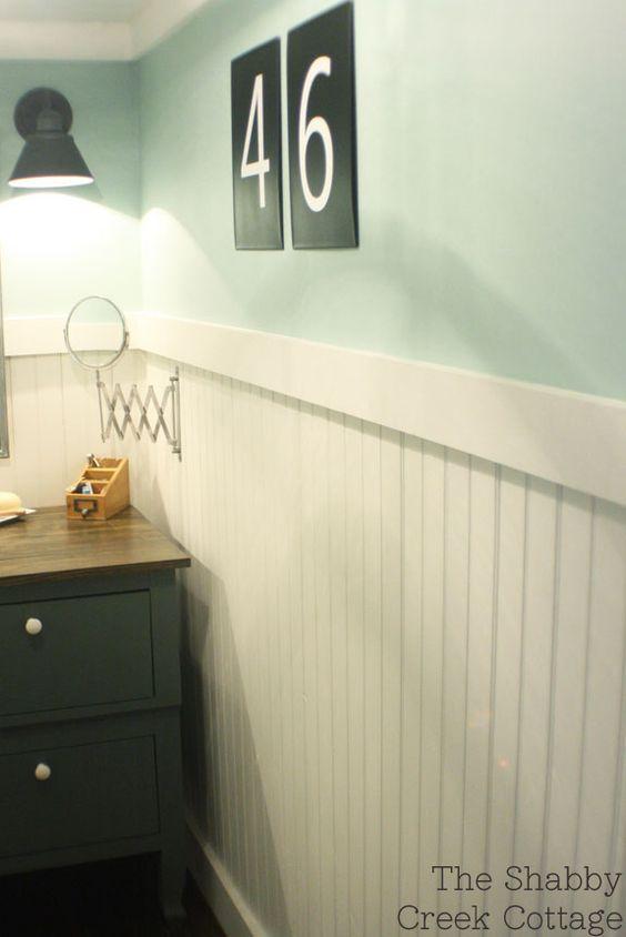 Flats wall trim and shabby on pinterest for Bathroom chair rail ideas