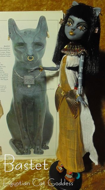 Bastet 03 by Scari Cari, via Flickr