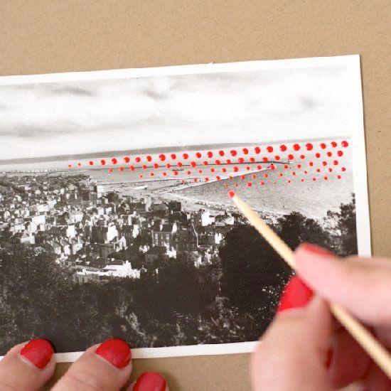 Customiser des cartes postales (anciennes ou nouvelles) avec de la peinture...
