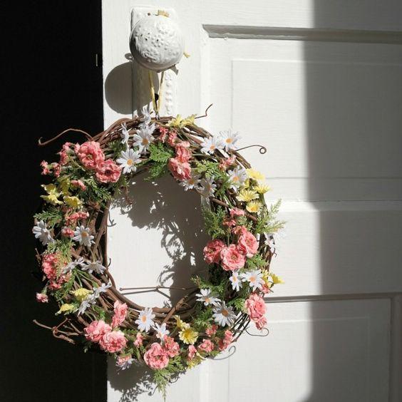 diy-deko-wohnung-frühlingskranz-selber-basteln DIY - Do it - wohnung dekorieren selber machen