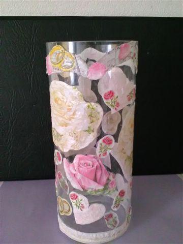 Glazenvaas 30 cm hoog ,bewerkt met Vintage Papieren Servetten  .