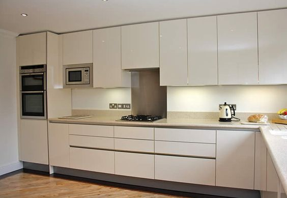 Handleless gloss acrylic cream kitchen orderly base and for Cream kitchen base units