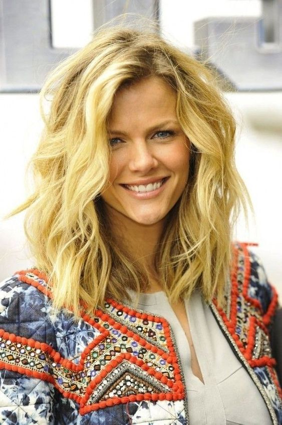 hairstyles for women with oblong faces - Google Search