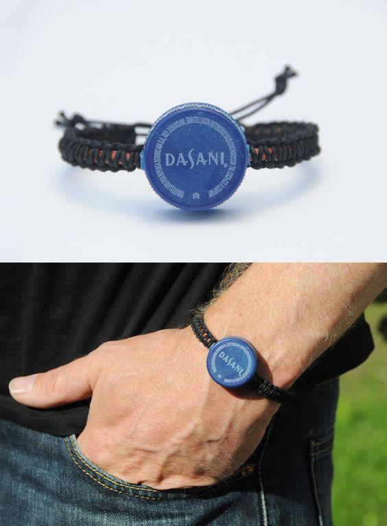 Statement bracelet | plastic lid found on the beach - dominikanische republik | upcycling jewelry by JEVO