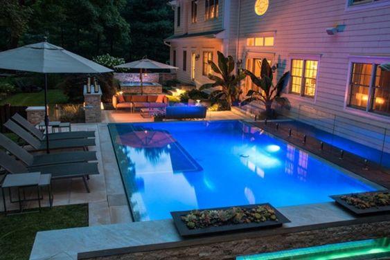 gartengestaltung ideen garten pool und feuerstelle rasen - eine feuerstelle am pool