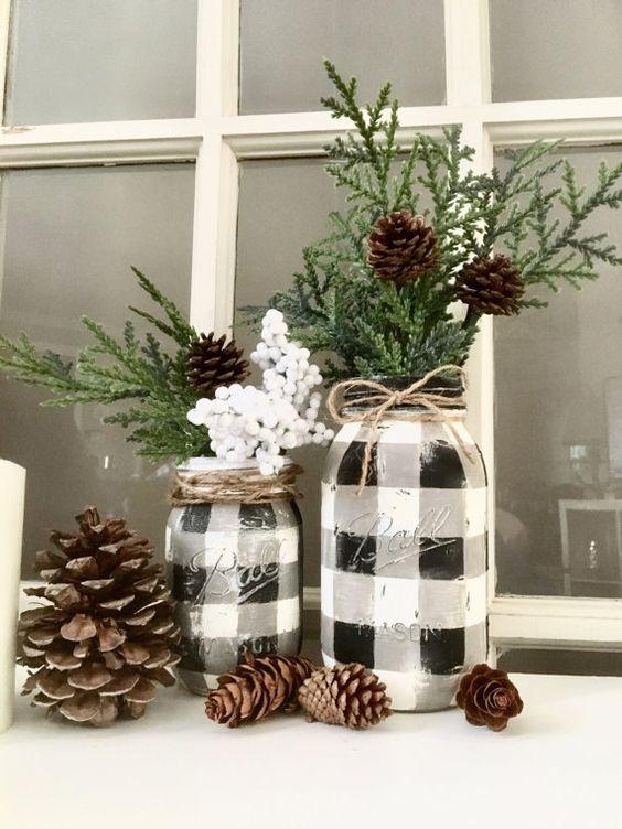 Pintado a mano de búfalo check mason jar! ¡La temporada se nos viene encima! ¡Estos frascos poco lindos serán acogedor por su decoración este invierno