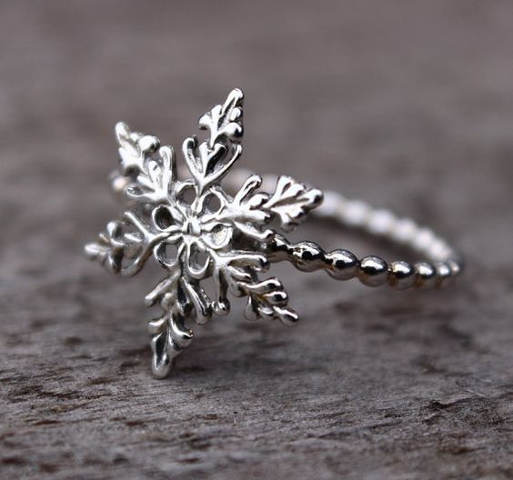 Hey, I found this really awesome Etsy listing at https://www.etsy.com/listing/187150296/snowflake-ring-filigree-snowflake