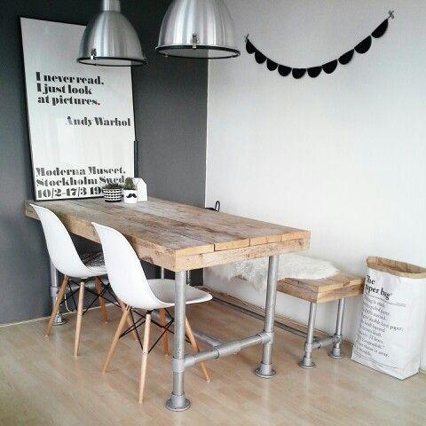 Minimalistisch im nordischen Stil Dazu eine graue Wand #KOLORAT - esszimmer in grau