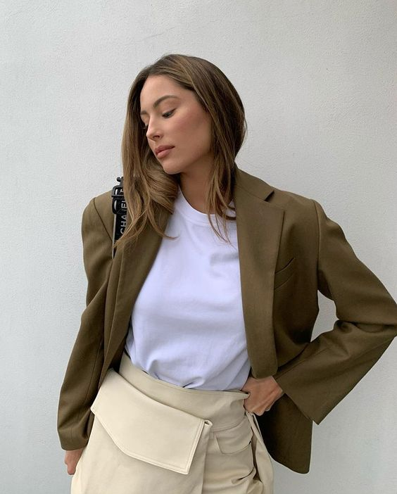 56 Neutral Outfits That Will Make You Look Cool outfit fashion casualoutfit fashiontrends