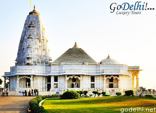 Birla temple is also called as Laxmi narayan Temple and is one of the grandest temple in the mordern architecture.It was completed in 1988 and completely made up of white marbles.It is situated just below the famous moti dungri hills. http://www.godelhi.net/ #JaipurTour