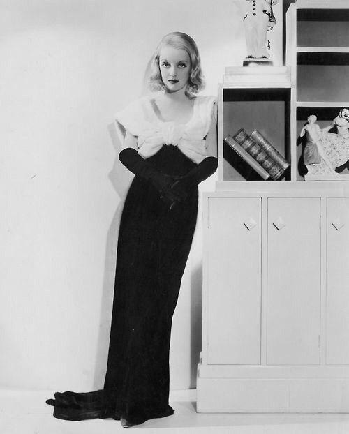 Bette Davis - Fashions of 1934 (1934) | Hollywood fashion, Bette davis,  Bette davis eyes