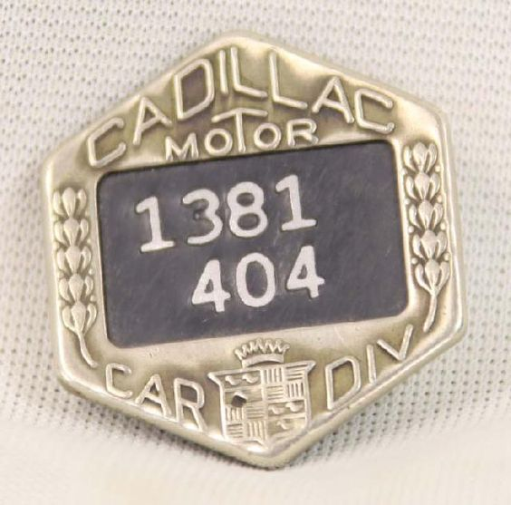 icollect247.com Online Vintage Antiques and Collectables - cadillac employee Badge 1930s - 1940s Pinbacks Badges