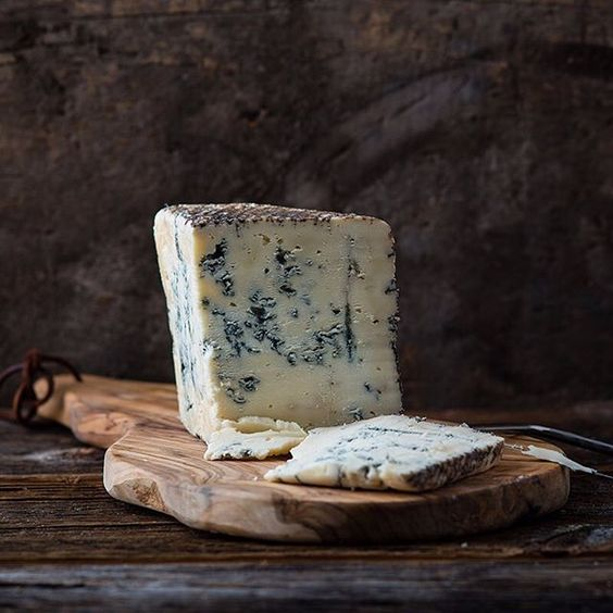 A rare and difficult-to-come-by blue if you're not in the state of Pennsylvania, this naturally rinded farmstead cheese is a magnificent step towards putting America on the world's cheese radar.