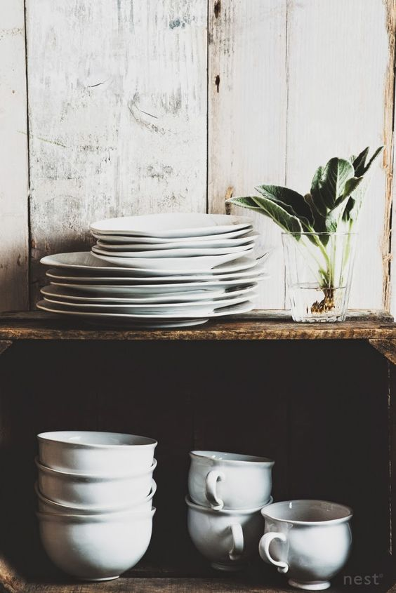 white plates | Modern Farmhouse Kitchen | Pinterest | Cajas, Cocina ...