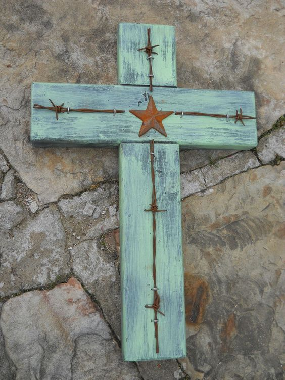 CROSS * RUSTIC WOOD & BARBED WIRE WITH STAR * WESTERN DECOR, COUNTRY FOLK ART #Handmade #COUNTRYWESTERN