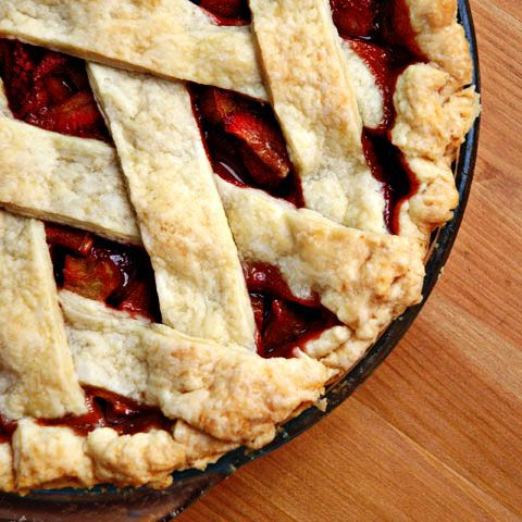 answers en croute   For everything you never knew you wanted to know about food: Strawberry Rhubarb Pie